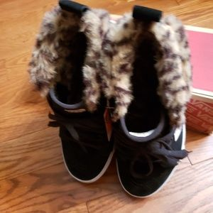 Vans Shoes - VANS with faux fur NWT  size 8.5